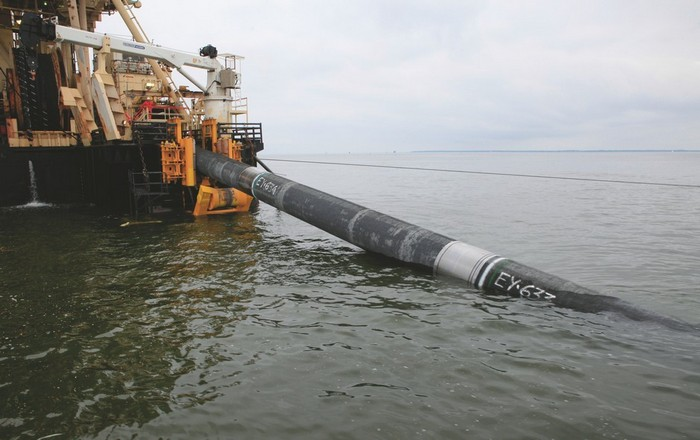 gas_pipeline_ship